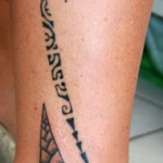 idee tattoo cheville jambe style maori