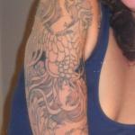 photo tattoo feminin bras et epaule style asiatique