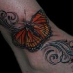 tatouage femme cheville papillon couleur et decors mollet et pied