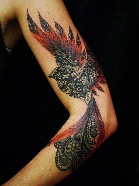 exemple tatouage phoenix femme mandala couleur rouge