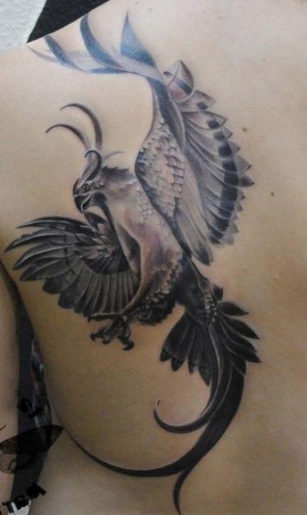 exemple tatouage phoenix femme monochrome