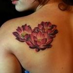 tatouage fleur de lotus pour femme 55 motifs lotus et leur signification. Black Bedroom Furniture Sets. Home Design Ideas