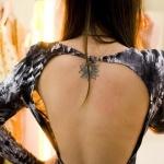 Tatouage fleur de lotus pour femme 55 motifs lotus et leur signification - Tatouage femme dos discret ...