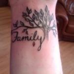 Top 90 des mod les de tatouage arbre femme - Tatouage arbre poignet ...