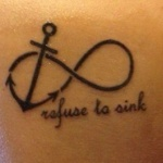 tatouage symboles infini ancre et phrase