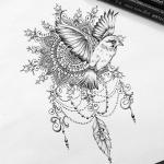Exemple dessin tatouage oiseau qui s envole avec mandala et arabesques