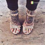 2 tatouages recouvrant les pieds femme mandala