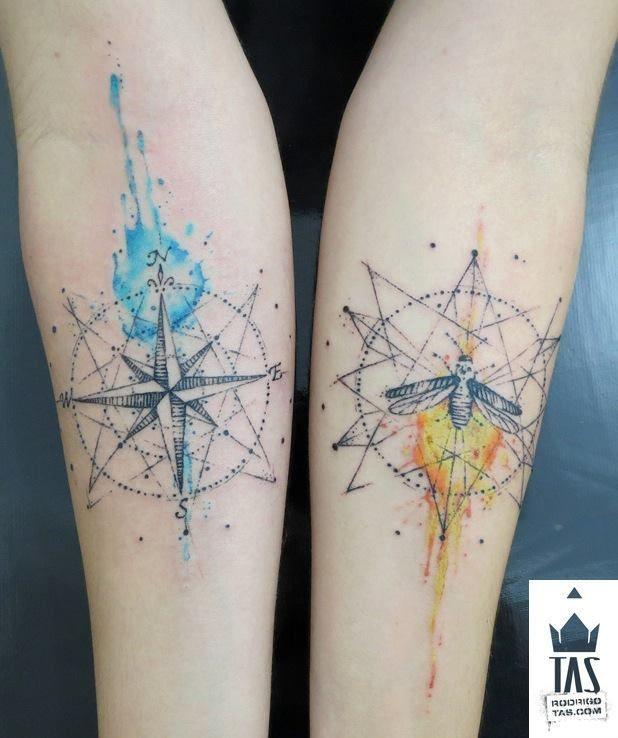 Tatouage 2 rose des vents femme style aquarelle sur 2 avant bras
