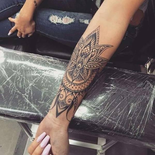 Beau Tattoo Fille Mandala Avant Bras Tatouage Femme