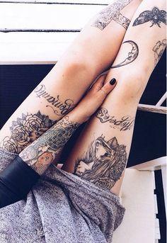 exemple tatouage cuisse femme rose ecriture croissant de lune tatouage femme. Black Bedroom Furniture Sets. Home Design Ideas