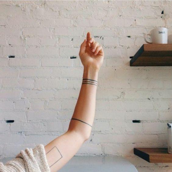 Exemple Tatouage Minimaliste Bracelet Lignes Tribales Avant Bras