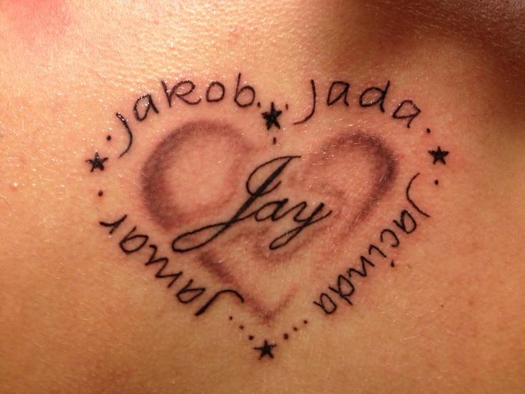 modele tatouage 5 prenoms avec coeur et etoiles tatouage. Black Bedroom Furniture Sets. Home Design Ideas