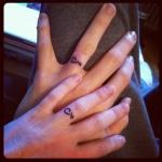 modele tatouage doigt pour couple
