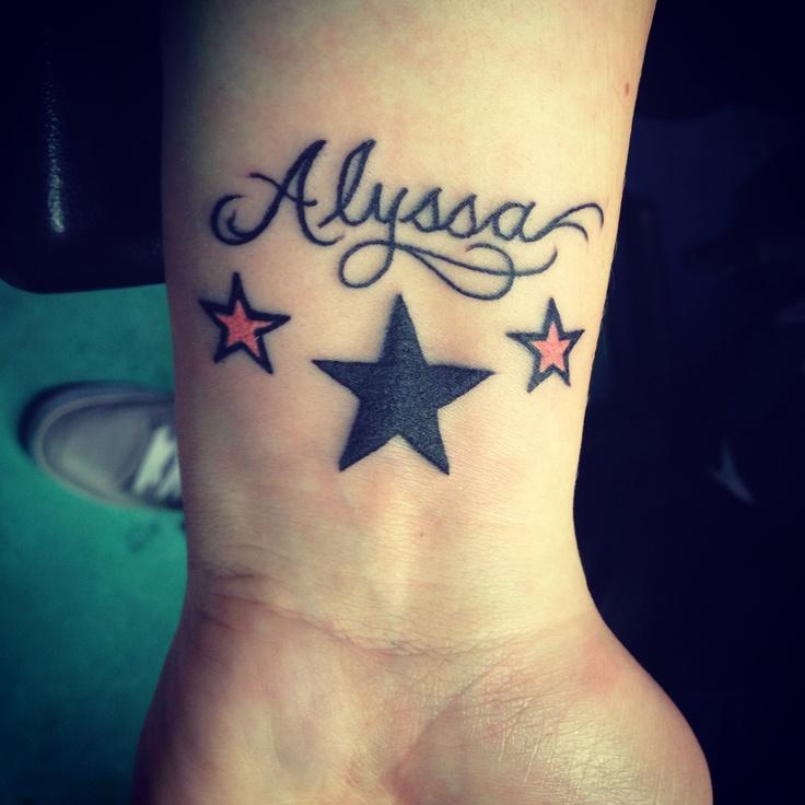 tatouage femme prenom 3 etoiles tatouage femme. Black Bedroom Furniture Sets. Home Design Ideas