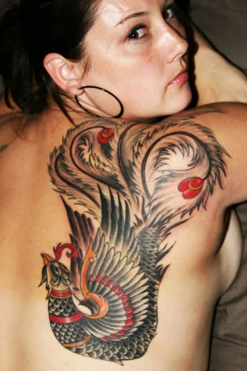 exemple tatouage phoenix femme quart haut droit du dos japonais