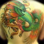 exemple tatouage phoenix femme style japonais