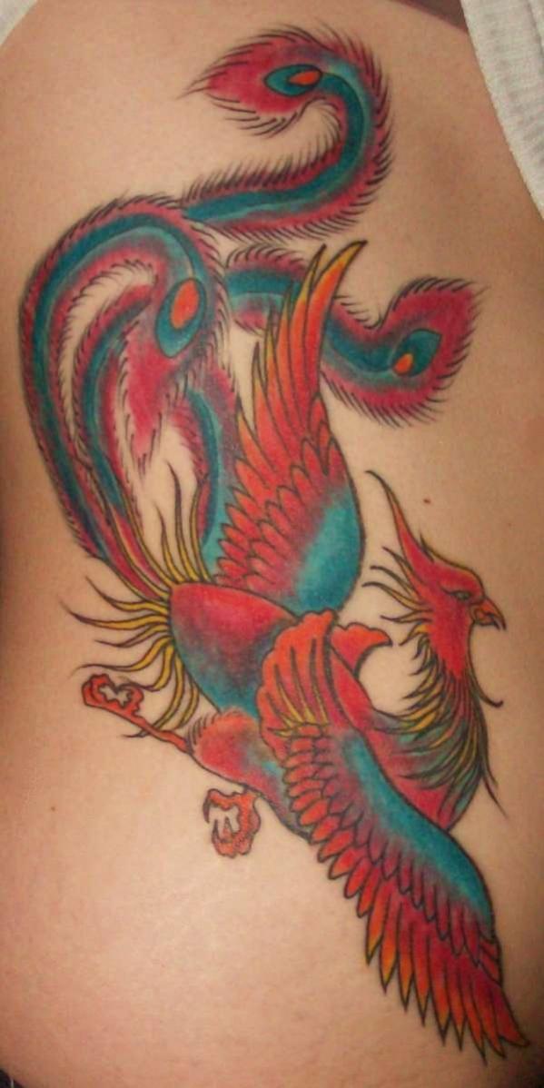 phoenix tatouage femme tout en couleur