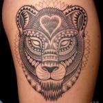 tatouage lionne mandala fille