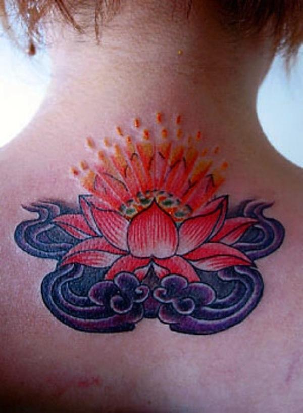 idee tatoo femme fleur de lotus bas de la nuque