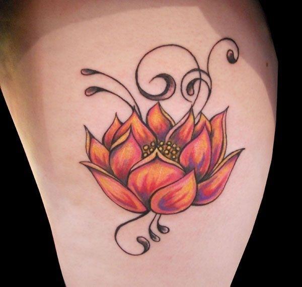 idee tatoo femme fleur de lotus et arabesque