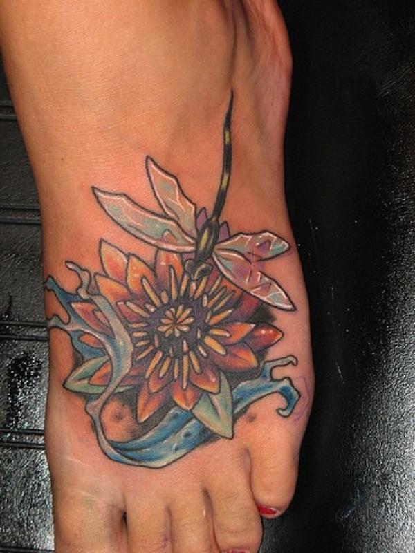 Photo Tatouage Fleur De Lotus Femme Pied Et Libellule Tatouage Femme