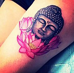Tatouage Femme Bouddha Cuisse Et 3 Fleurs Roses De Lotus Tatouage