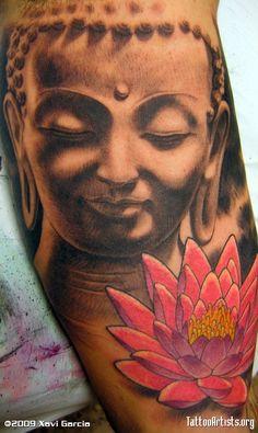tatouage symboles bouddhistes fille avec fleur de lotus rose