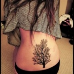 tatouage symboles arbre petit tronc et grandes branches
