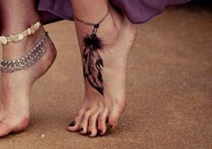 idee tattoo plume femme bracelet cheville