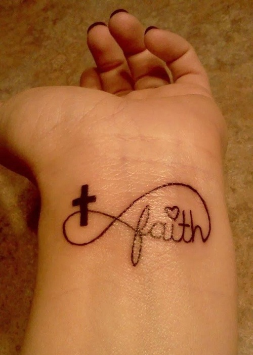 tatoo infinity croix et faith poignet