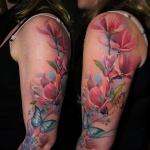 idee tattoo manchette avec papillons femme