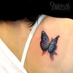idee tattoo papillon femme 3d ailes battant dos