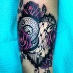 modele tatouage coeur dentelle guipure et roses