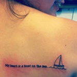 tatouage femme coeur en mot dos