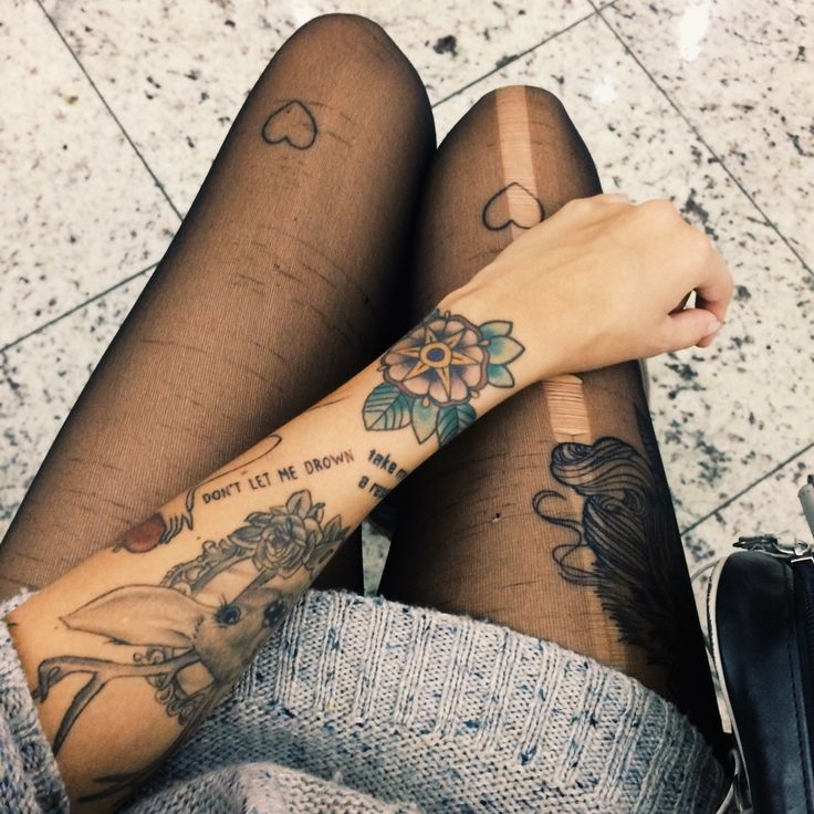 tattoo 2 coeurs genoux