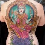 dos complet tatouage femme avec deesse hindoue kali