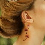 pissenlit femme a tatouer cou et derriere oreille