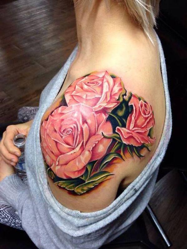 modele tatouage 3 roses realistes roses sur epaule