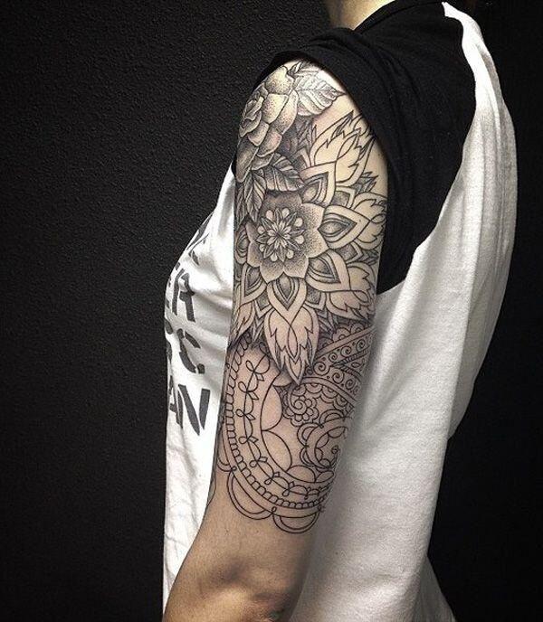 modele tatouage rose mandala demi manchette haute