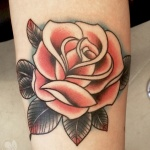 photo tattoo rose old school