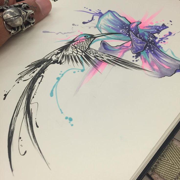 Tatouage femme oiseau aquarelle colibri et fleur