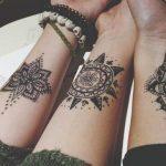 3 modeles tattoos mandala interieur bras