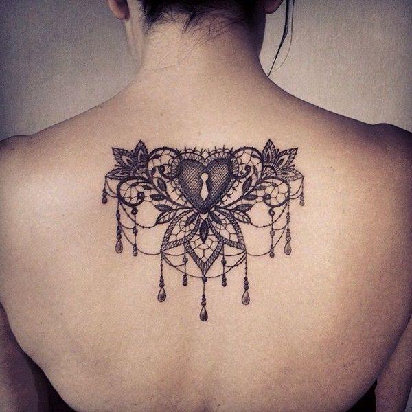 modele tatouage sous nuque dentelle coeur avec trou de serrure tatouage femme. Black Bedroom Furniture Sets. Home Design Ideas