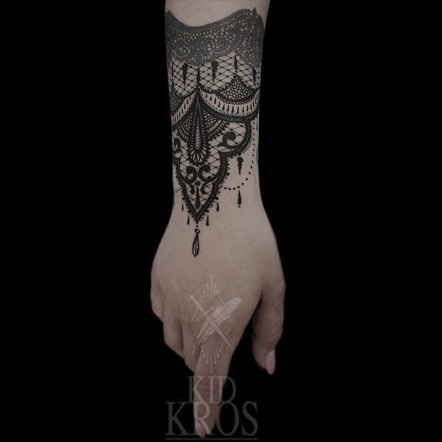 tatouage dentelle kid kros tatouage femme. Black Bedroom Furniture Sets. Home Design Ideas