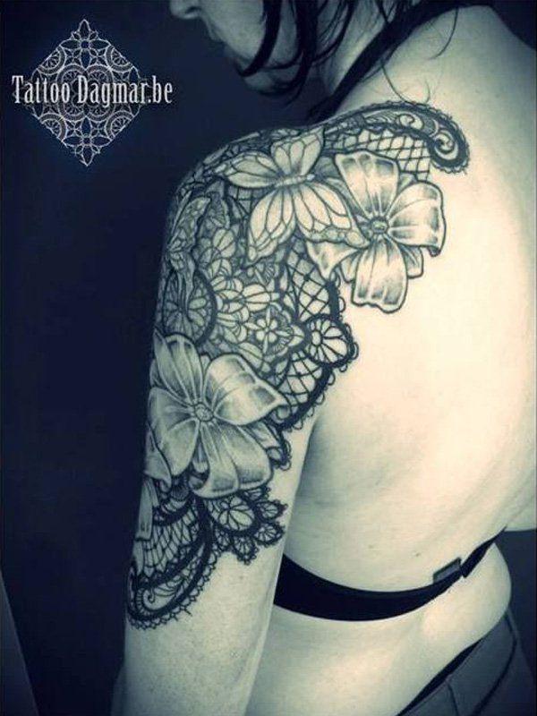 Tatouage Epaule Bras Femme Papillons Fleur Et Dentelle Tatouage Femme