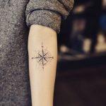 Signification Et Idees De Tatouage Boussole Femme Tatouage Femme