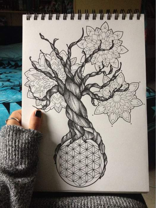Dessin arbre de vie avec racine fleur de vie