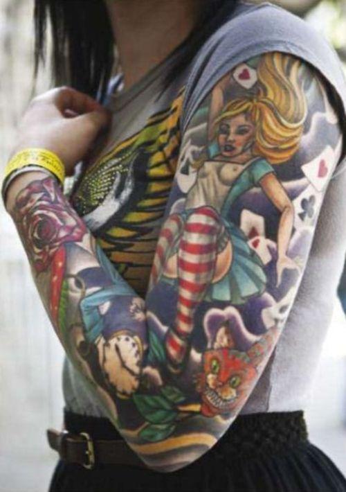 tatouage manchette feminin integral alice aux pays des merveilles
