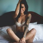 tattoo bras manchette pivoine fleurs dragon